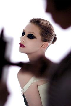 Nouvelle campagne de maquillage Pink Irrévérence de Lancôme